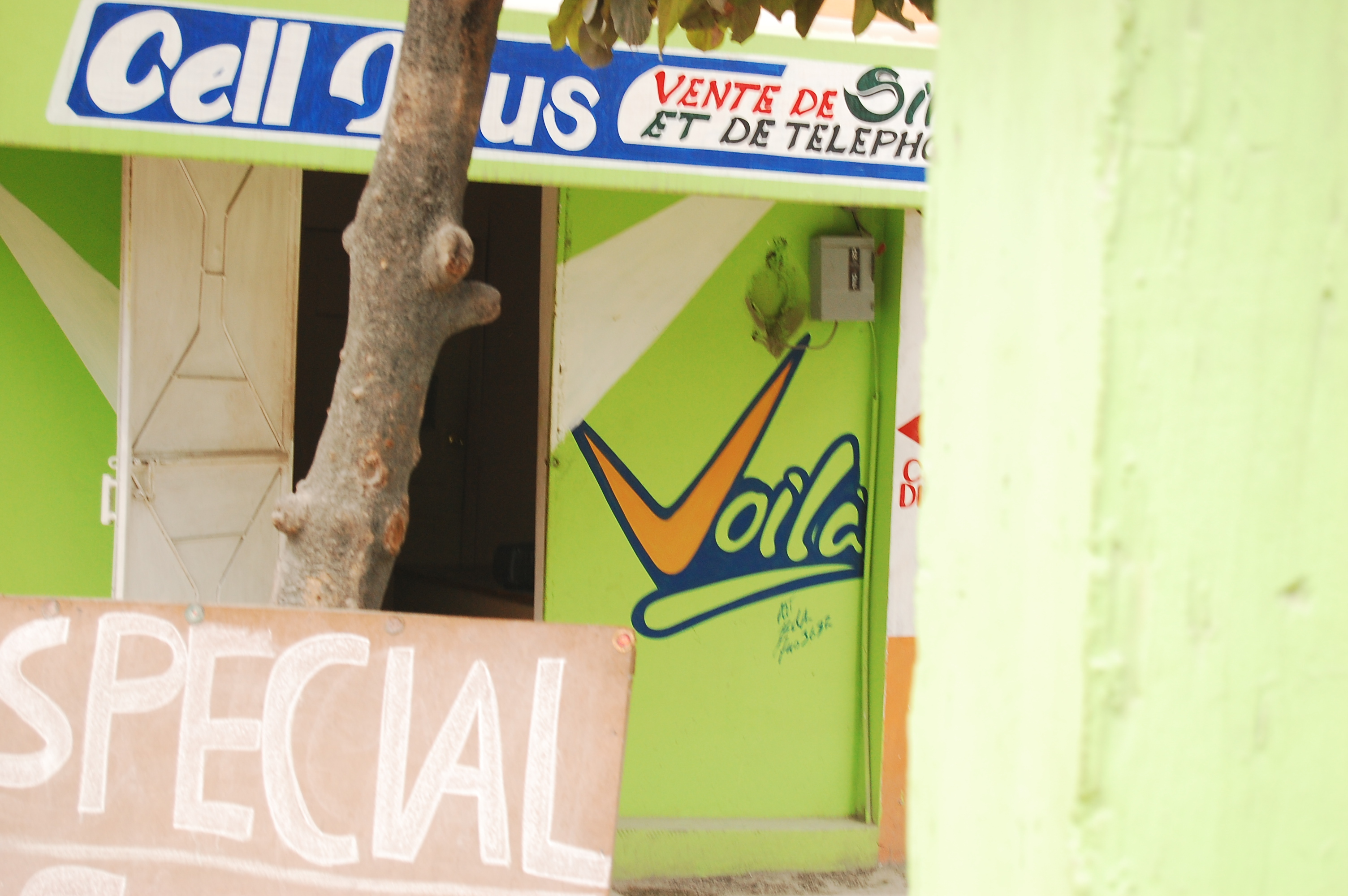 Voila Haiti Sign Store